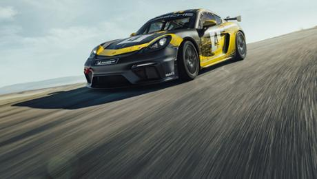 New Cayman GT4 Clubsport with natural-fibre physique parts
