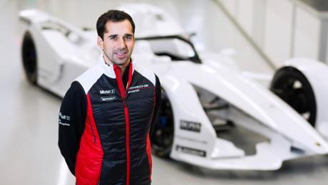 Neel Jani switching to a cockpit of a Formula E car