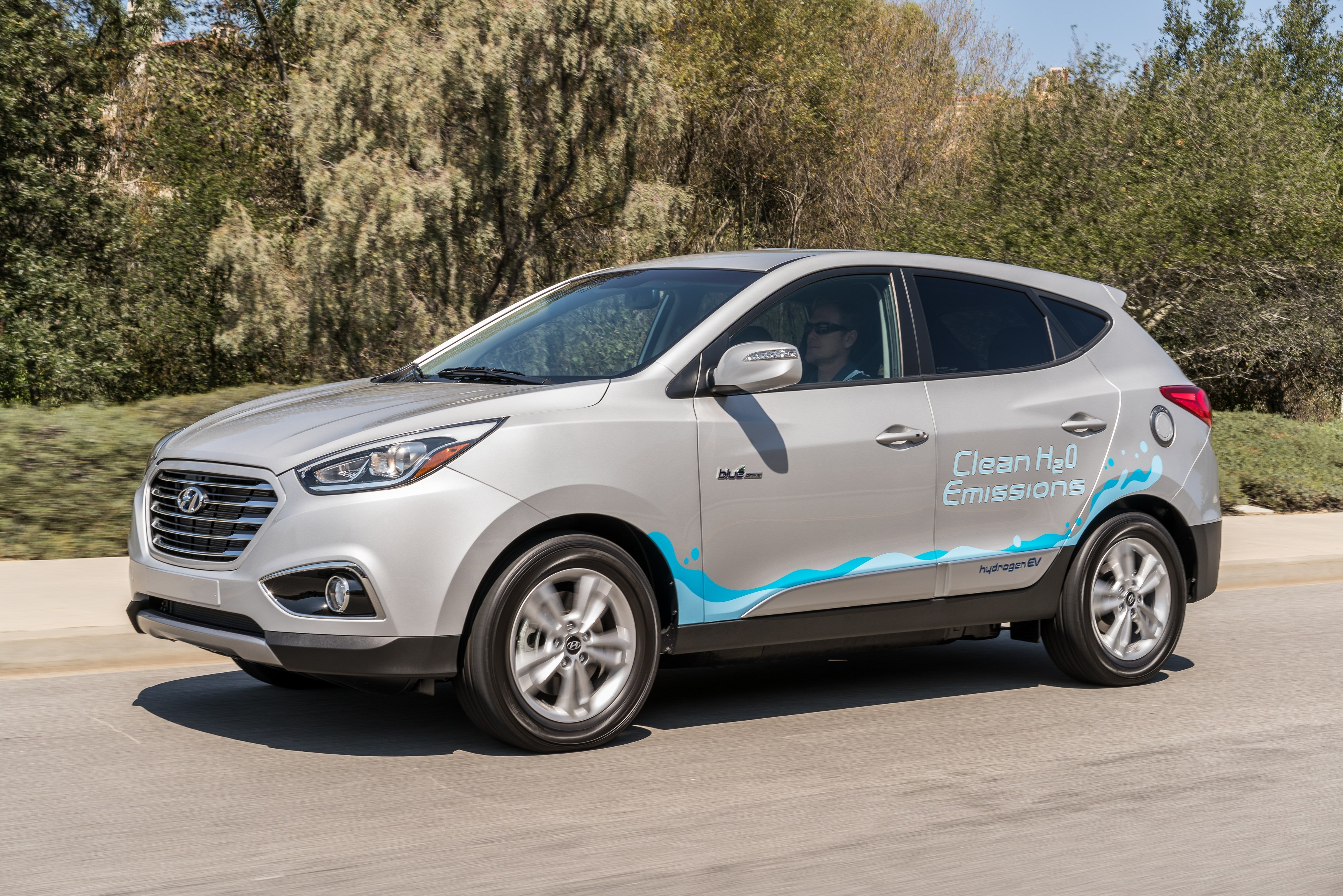 Hyundai Tucson Fuel Cell Drivers Accumulate More Than Three Million Zero-Emission Miles by National Hydrogen Day